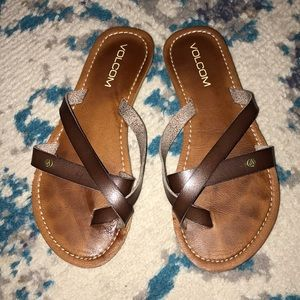Volcom brown leather strappy sandals Small